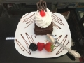 boema cu ciocolata si frisca si blat de cacaocofetarie_romanesca_torturi_prajituri_londra