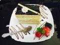 caise si vanilie, blat de vanilie si decor de ciocolatacofetarie_romanesca_torturi_prajituri_londra