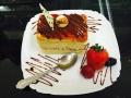 cappuccino crema, cu blat de vanilie si glazura de caramel si ciocolatacofetarie_romanesca_torturi_prajituri_londra