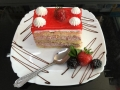 capsuni si frisca, cu blat de vanilie si capsunicofetarie_romanesca_torturi_prajituri_londra