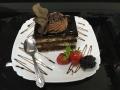 ciocolata si blat de vanilie, cu decor de glazura si crema de ciocolatacofetarie_romanesca_torturi_prajituri_londra