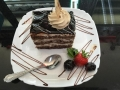iaurt, frisca si ciocolata, cu blat de cacao, decor de ciocolata si cappuccinocofetarie_romanesca_torturi_prajituri_londra