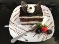 iaurt, frisca si ciocolata, cu blat de cacao, decor de ciocolata si friscacofetarie_romanesca_torturi_prajituri_londra