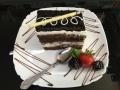 iaurt, frisca si ciocolata, cu blat de cacao, decor de ciocolatacofetarie_romanesca_torturi_prajituri_londra