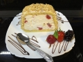 rulada de vanilie cu fructe mixte, cu blat de vanilie si decor de alunecofetarie_romanesca_torturi_prajituri_londra