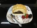 rulada de vanilie si ciocolata, cu blat de vanilie si decor de alunecofetarie_romanesca_torturi_prajituri_londra