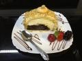 rulada de vanilie si ciocolata,cu blat de vanilie si decor de alunecofetarie_romanesca_torturi_prajituri_londra