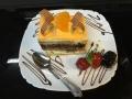 vanilie si ciocolata, cu blat de vanilie si decor de ciocolata si portocalecofetarie_romanesca_torturi_prajituri_londra