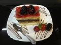 vanilie si ciocolata, cu blat de vanilie si decor de murecofetarie_romanesca_torturi_prajituri_londra